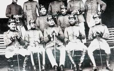 Officiers de cuirassier et sous-officiers infanterie, circa 1910 (droits réservés)